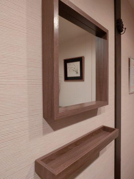施術室の鏡